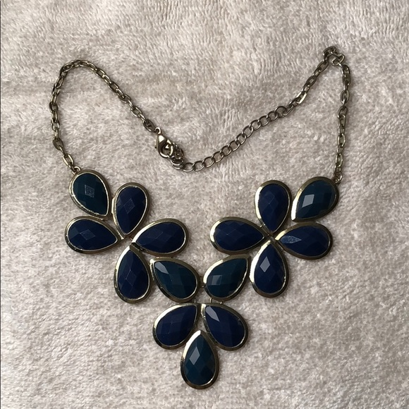 Jewelry - Blue Floral Necklace